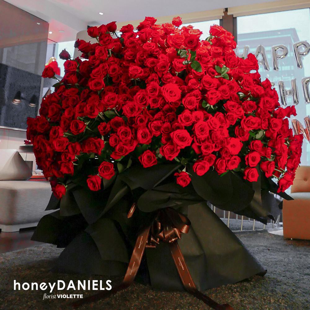 999朵紅玫瑰